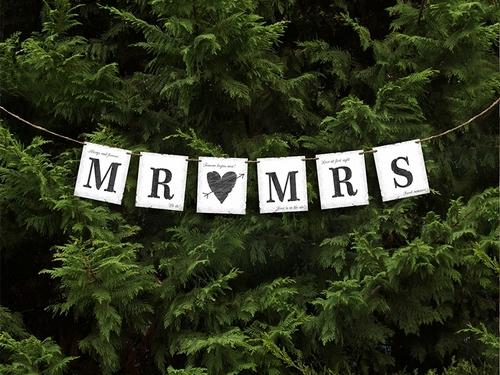 mr-mrs-card-banner
