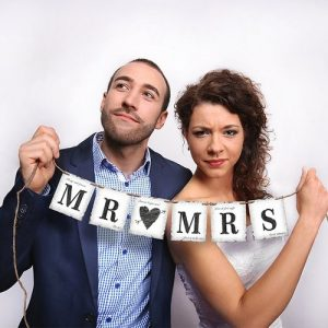 mr-mrs-card-banner