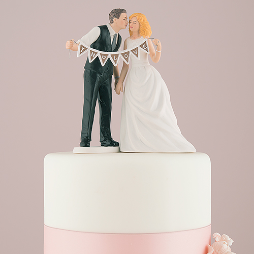 cake-topper-in-love