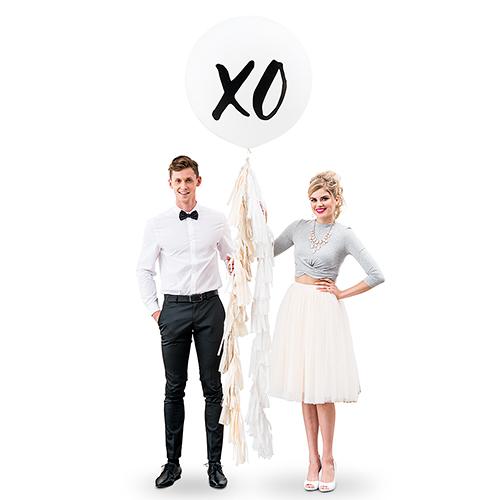 Mega ballon 'XOXO' wit
