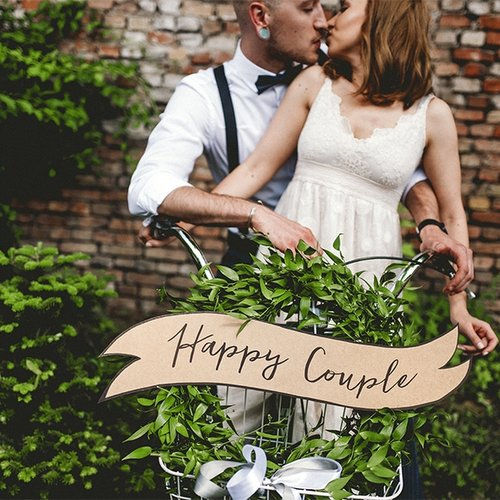 borden-happy-couple-rustic