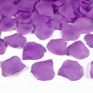 bruiloft-decoratie-rozenblaadjes-paars