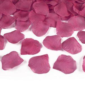 bruiloft-decoratie-rozenblaadjes-roze