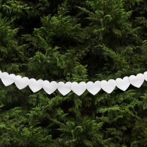 bruiloft-decoratie-slinger-white-hearts