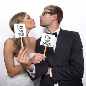photobooth-props-mr-mrs