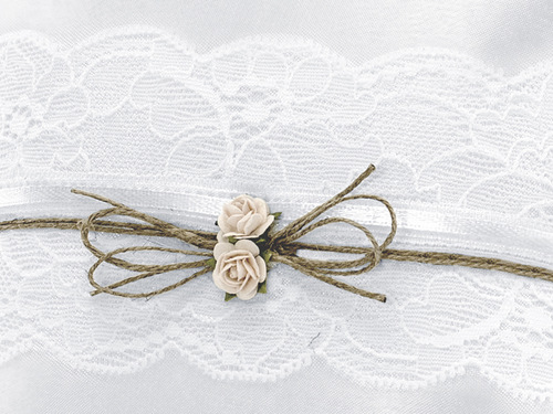 ringkussen-white-lace