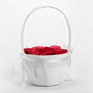bruiloft-decoratie-bloemenmandje-wit