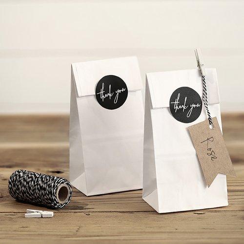 bruiloft-decoratie-white-bags-thank-you