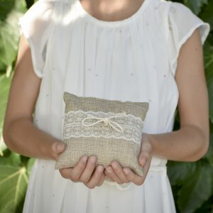 ringkussen-naturel-lace