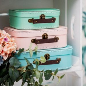 bruiloft-decoratie-set-retro-suitcases