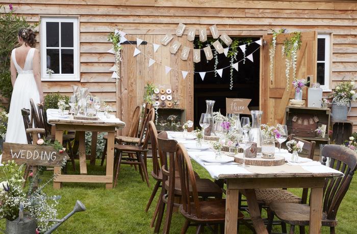Afbeeldingsresultaat voor bruiloft tafel decoratie 2018