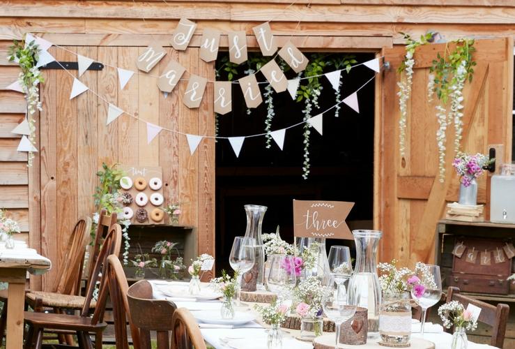 bruiloft-decoratie-slingers-bruiloft (1)