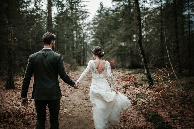 bruiloft-decoratie-trouwjurk