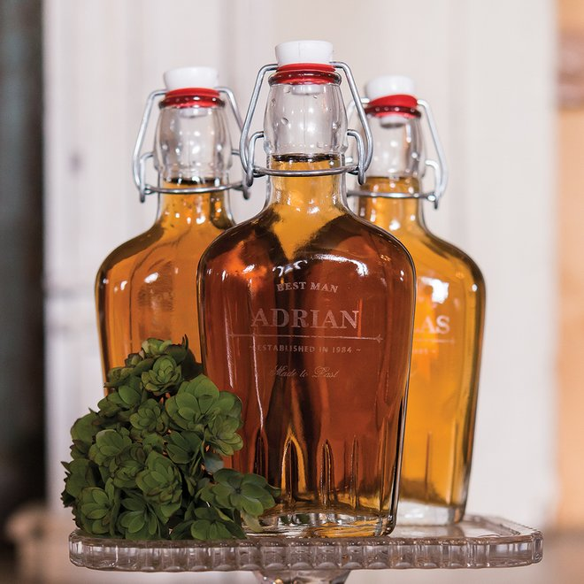 bruiloft-decoratie-whisky-flesje