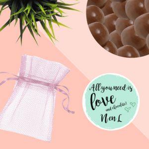 bedankjes-bruiloft-chocolade-tule-zakje (1)
