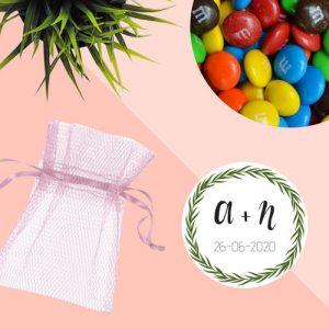 bedankjes-bruiloft-chocolade-tule-zakje