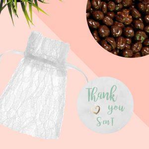 bedankjes-bruiloft-kanten-zakje-chocolade