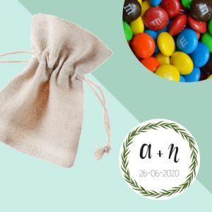 bedankjes-bruiloft-linnen-zakje-chocolade