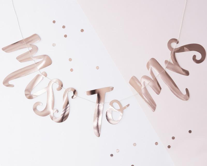 bruiloft-decoratie-miss-to-mrs-collectie (5)