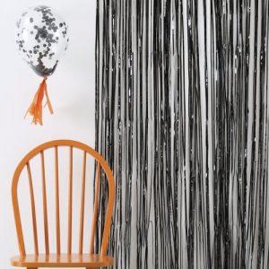 bruiloft-decoratie-backdrop-black-foil-2