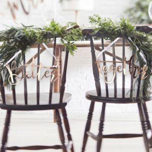 bruiloft-decoratie-chairsigns-better-together-rosegoud-beautiful-botanics-2