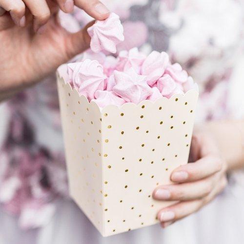 bruiloft-decoratie-popcorn-bakjes-dots-ivoor-4