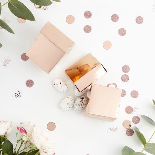 bruiloft-decoratie-bedankdoosje-rosegoud-3