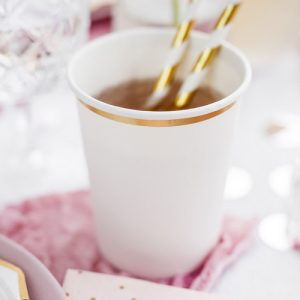 bruiloft-decoratie-papieren-bekertjes-white-metallic-gold-2