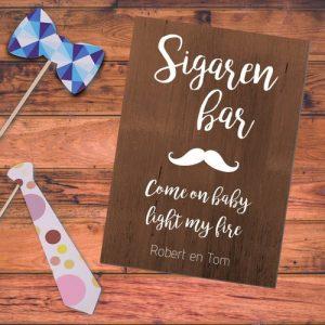 bruiloft-decoratie-poster-sigaren-bar-hout