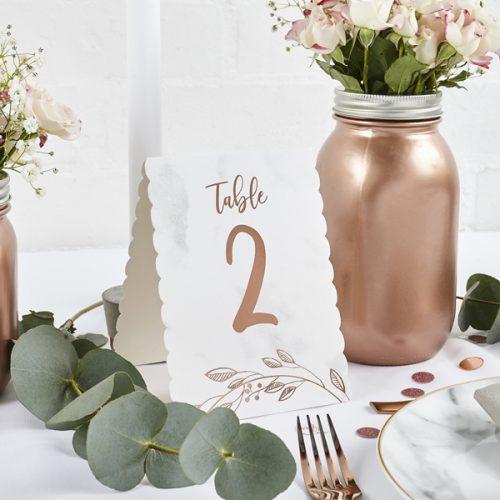 bruiloft-decoratie-tafelnummer-marble-rose-gold-2