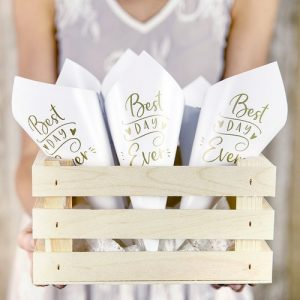 bruiloft-decoratie-confetti-cones-best-day-ever-goud