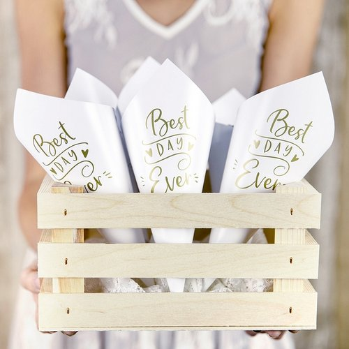 bruiloft-decoratie-confetti-cones-best-day-ever-goud