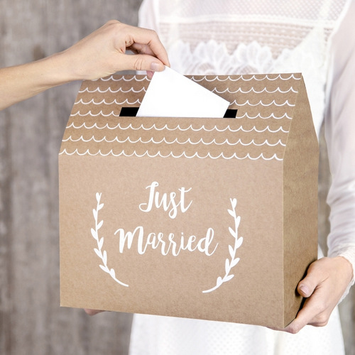 bruiloft-decoratie-enveloppendoos-just-married-kraft-003