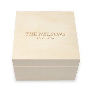 bruiloft-decoratie-houten-keepsake-box-classic-font-gepersonaliseerd