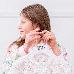 bruiloft-decoratie-houten-kledinghanger-flower-girl-gepersonaliseerd-3