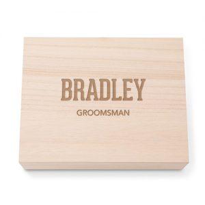 bruiloft-decoratie-houten-memory-box-groomsman-gepersonaliseerd