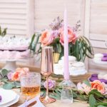 bruiloft-decoratie-dinerkaars-mat-lila-3