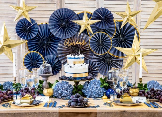 bruiloft-decoratie-paper-fans