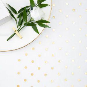 bruiloft-decoratie-tafelloper-golden-dots-18