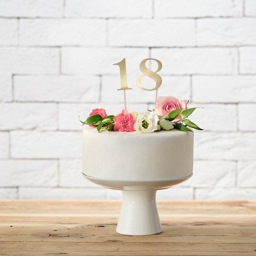 bruiloft-decoratie-tafelnummers-goud-3