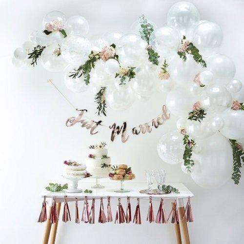 bruiloft-decoratie-ballonnenboog-white (1)