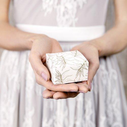 bruiloft-decoratie-bedankdoosjes-leaves-4