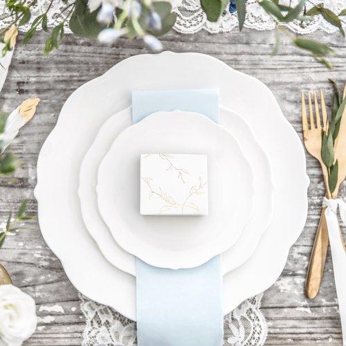 bruiloft-decoratie-bedankdoosjes-twigs-white-gold-4