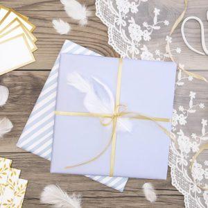 bruiloft-decoratie-decoratie-veren-wit-2