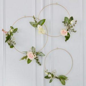 bruiloft-decoratie-floral-hoepels-gold-wedding