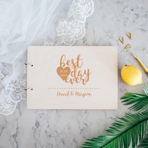 bruiloft-decoratie-gastenboek-hout-best-day-ever-gepersonaliseerd
