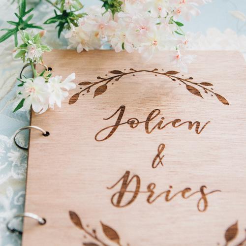 bruiloft-decoratie-gastenboek-hout-boho-gepersonaliseerd-3