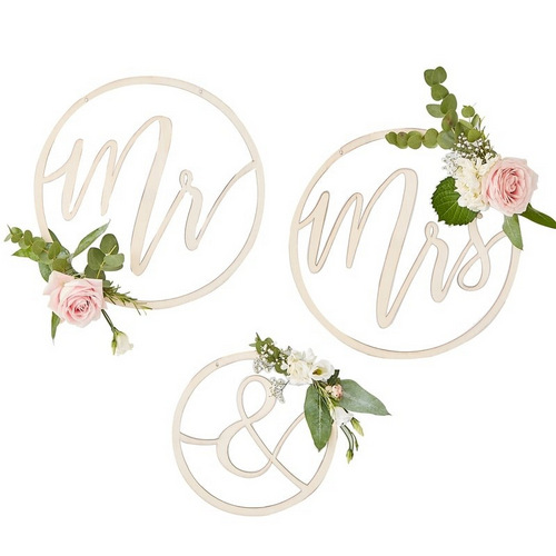 bruiloft-decoratie-houten-hoepels-mr-mrs-gold-wedding (1)