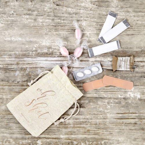 bruiloft-decoratie-katoenen-zakjes-oh-shit-hangover-kit-rosegoud-4