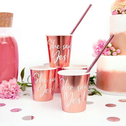 bruiloft-decoratie-papieren-bekertjes-she-said-yes-rosegoud-3
